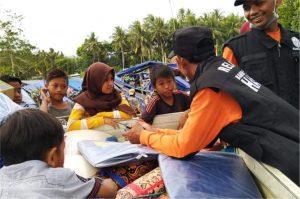 Penyerehan Bantuan untuk Korban Gempa Lombok