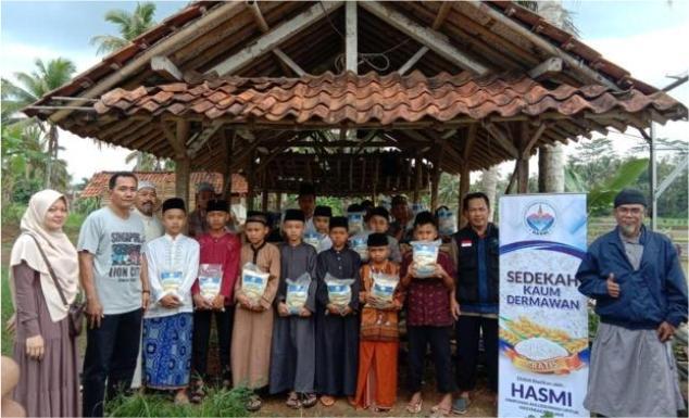 Distribusi Pangan dan Mushaf Al-Qur'an untuk 7 PONPES di Tasik