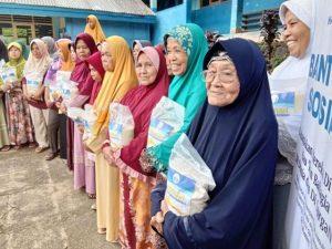 Hasmi Berbagi dengan Yatim Dhuafa