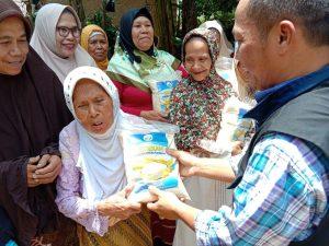 Berbagi Bahagia untuk Dhuafa Kampung Pasir Honje