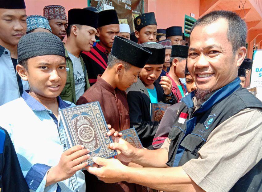 Al-Quran untuk Ponpes Nurul Huda Cianjur Selatan