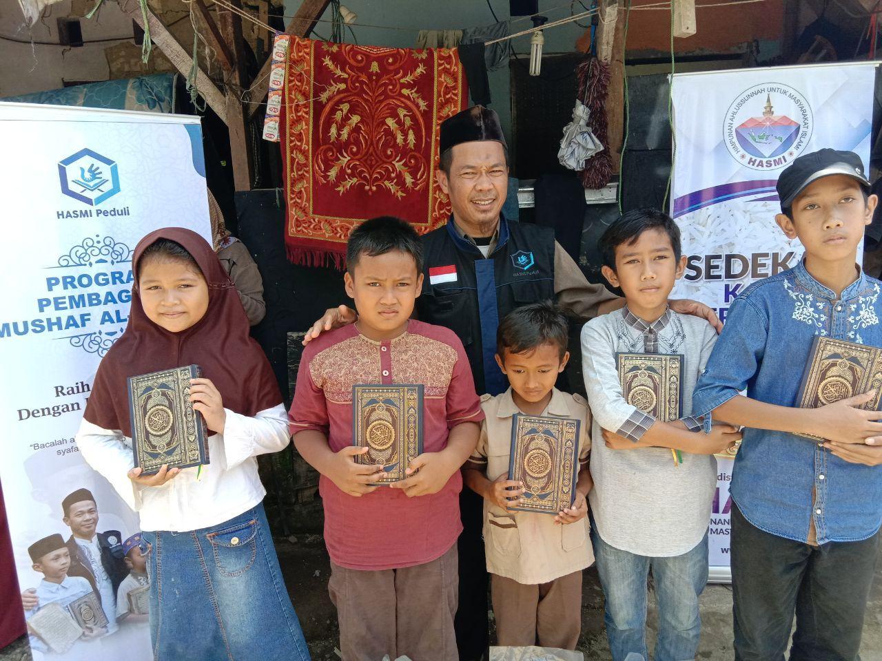 Wakaf Qur'an untuk Yatim di Kampung Kreteg Ciomas Bogor