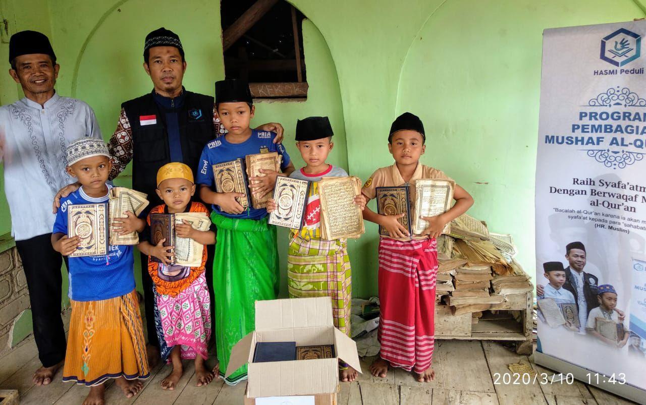 Wakaf Al-Quran untuk Santri Madrasah Nurussibyan