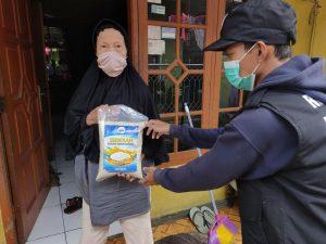 Hasmi Peduli Yatim dan Dhuafa di Tengah Wabah Corona