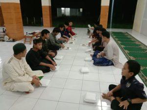 Berbagi Paket Pangan dan Wakaf Al-Quran untuk Santri Ponpes Assalam Ciseeng Bogor