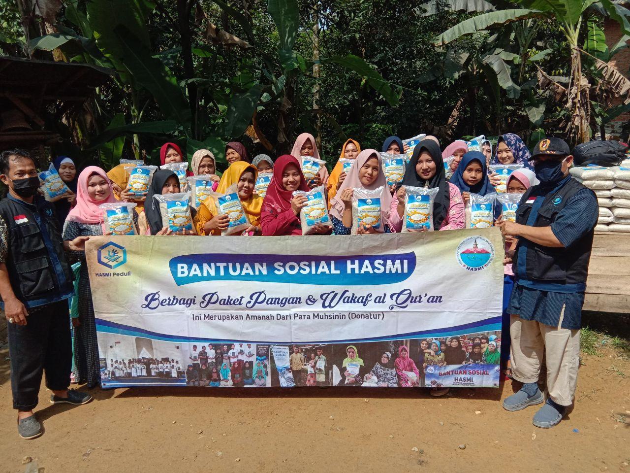 Hasmi Peduli Berbagi Pangan di Lewiliang Bogor