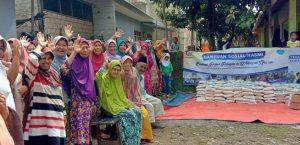 Hasmi Peduli Berbagi Bantuan Kepada Para Dhuafa dan Para Santri