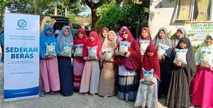 Hasmi Peduli Berbagi Pangan dan Mushaf Al-Quran di Bekasi