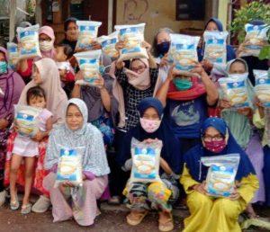 Hasmi Peduli Berbagi Bantuan Pangan di Kec Tajur Halang Bogor