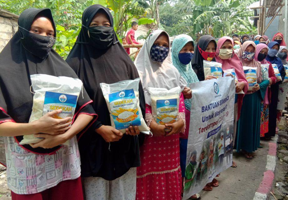 Bantuan Pangan untuk Warga Kec Sukamantri Bogor