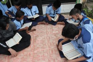 Distribusi Mushaf Al-Qur'an ke Pesantren Tahfidz Babul Ilmi Mardhotillah