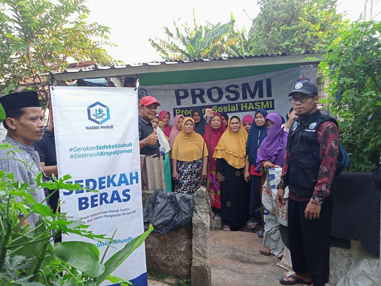 Bantuan Beras untuk Warga Depok