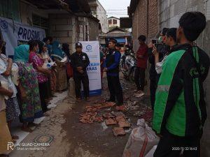 Distribusi Bantuan Pangan kepada Warga Tanggerang