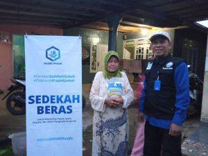 Bantuan Paket Beras untuk Para Dhuafa di Parung Bogor
