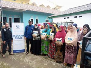 Bantuan Pangan untuk Warga Megamendung Kab Bogor