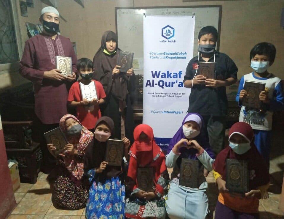 Distribusi Mushaf Al-Qur'an  Rumah Quran Bumi Anggrek Bekasi