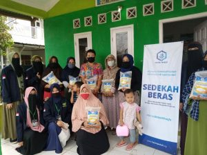 Bantuan Beras dan KKM STAI Al-Hidayah Bogor