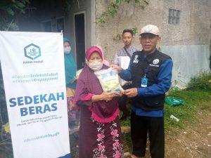 Bantuan Beras untuk Dhuafa dan Lansia di Parung Kab Bogor