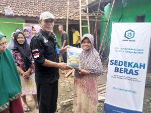 Bantuan Beras untuk Dhuafa dan Lansia di Kab Bogor