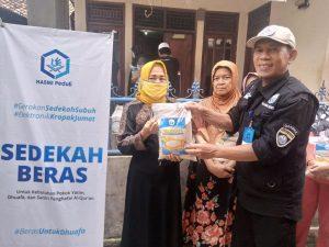 Distribusi Beras untuk Lansia dan Dhuafa Cibungbulang, Kab Bogor