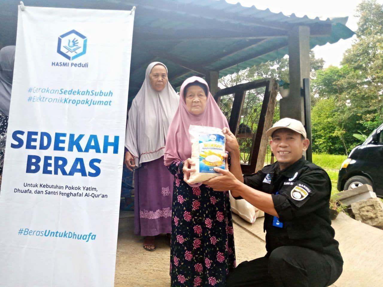 Bantuan Paket Beras untuk Para Dhuafa, Leuwiliang Kab. Bogor
