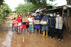 Bantuan Sembako untuk Korban Bencana Banjir Kab Karawang Jawa Barat