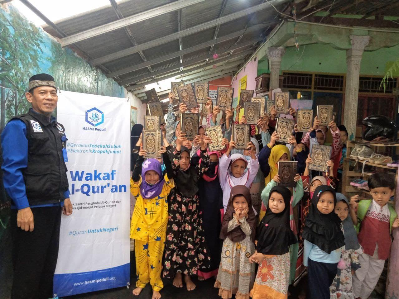 Distribusi Mushaf Al-Quran untuk TPQ Majlis Robbani