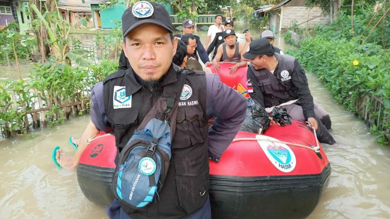 Bansos Hasmi untuk Korban Banjir