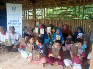 Wakaf Al-Quran untuk Ponpes Tarbiyah Robbaniyah Cibungbulang Kab. Bogor