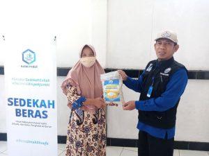 Bantuan Beras untuk Jama'ah Majelis Ta'lim Al-Aliyah Bogor