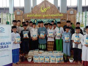 Paket Beras untuk Rumah Qur'an Yatim dan Dhuafa