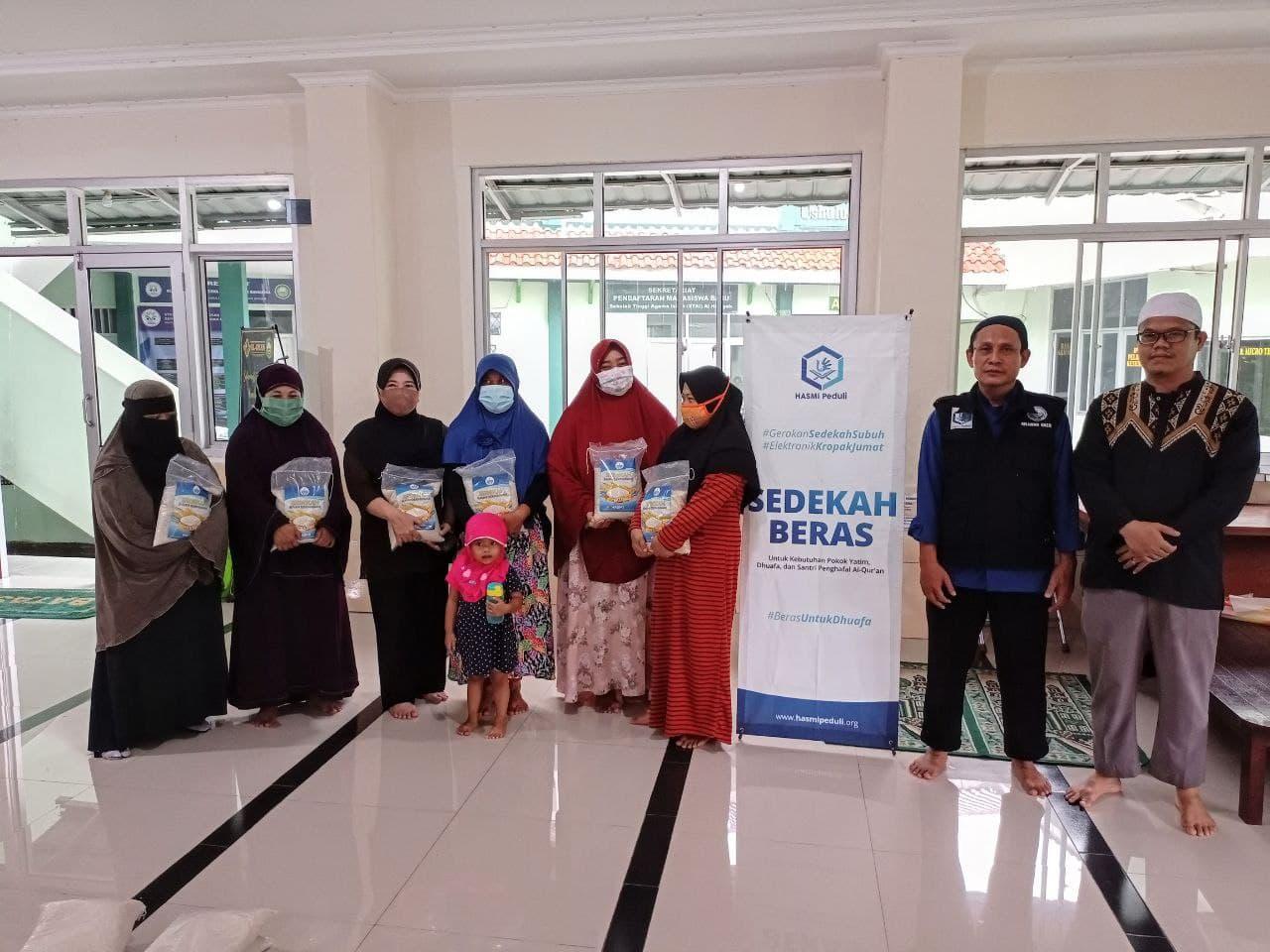 Paket Beras untuk Para Dhuafa Lingkungan Komplek STAI Al-Hidayah Bogor