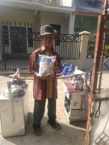 Distribusi Paket Beras ke Cibadak