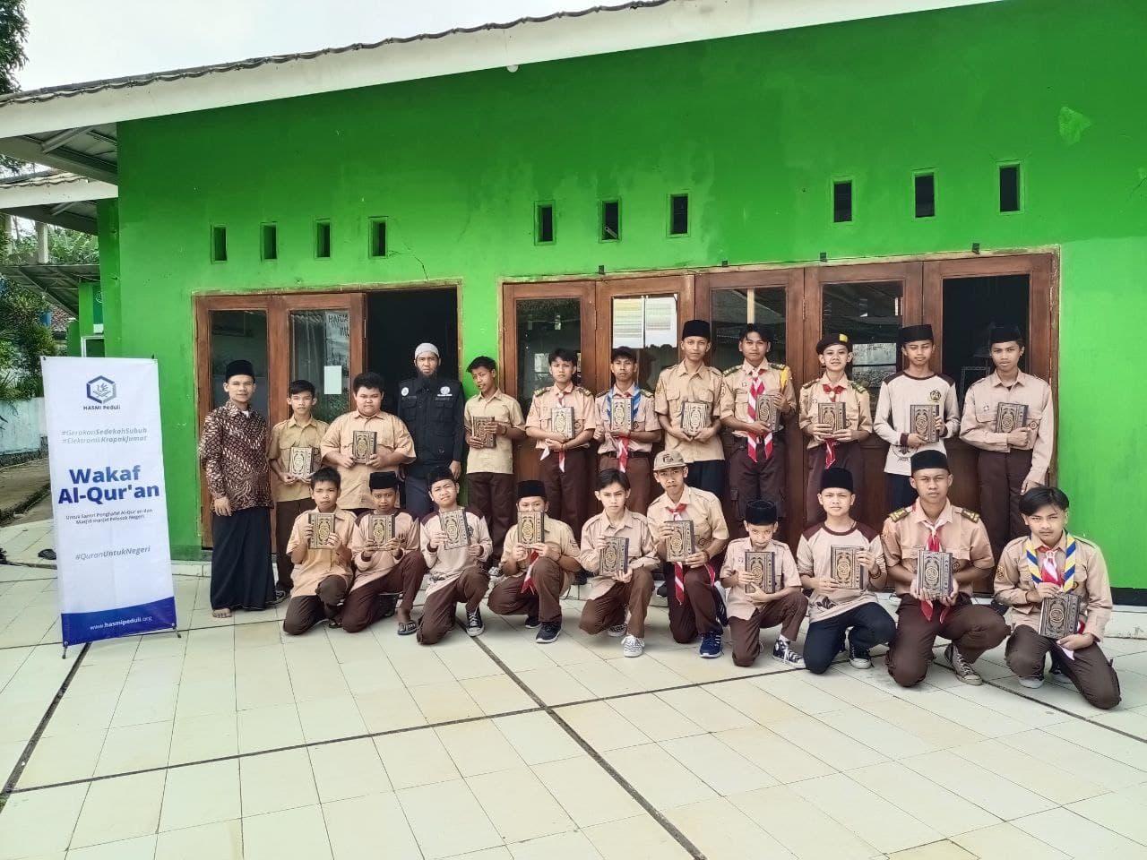 Bantuan untuk Ponpes Yasmin Kota Sukabumi
